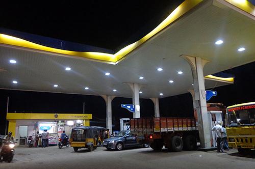 Effe Ledlights Installation at Bharat Petrol Bunk