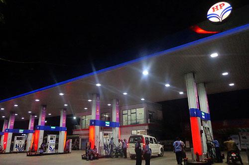 Effe Ledlights Installation at Hindustan Petrol Bunk